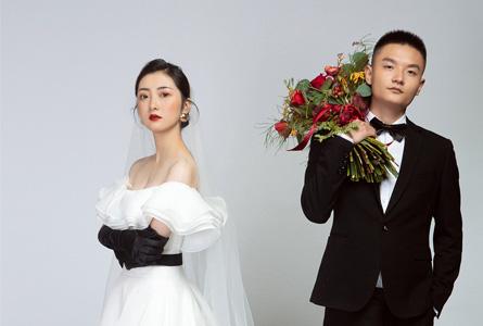 简约大气的纯色婚纱照,也能拍出高级感